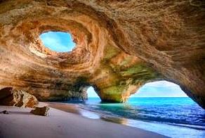 Пещера в Алгарве. Португалия